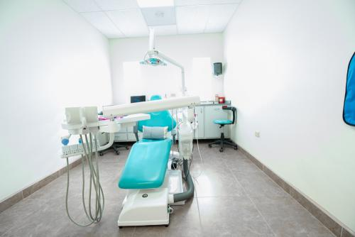 los-algodones-dental-chair