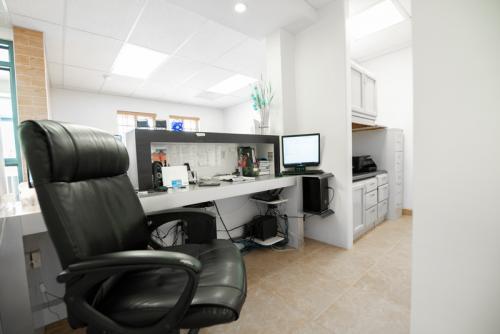 los-algodones-dental-clinic-reception